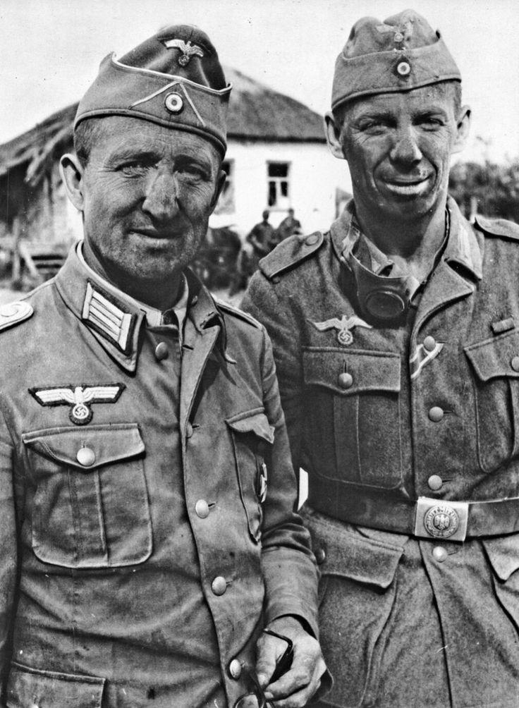 военное фото немцев уютном просторном шоу-руме