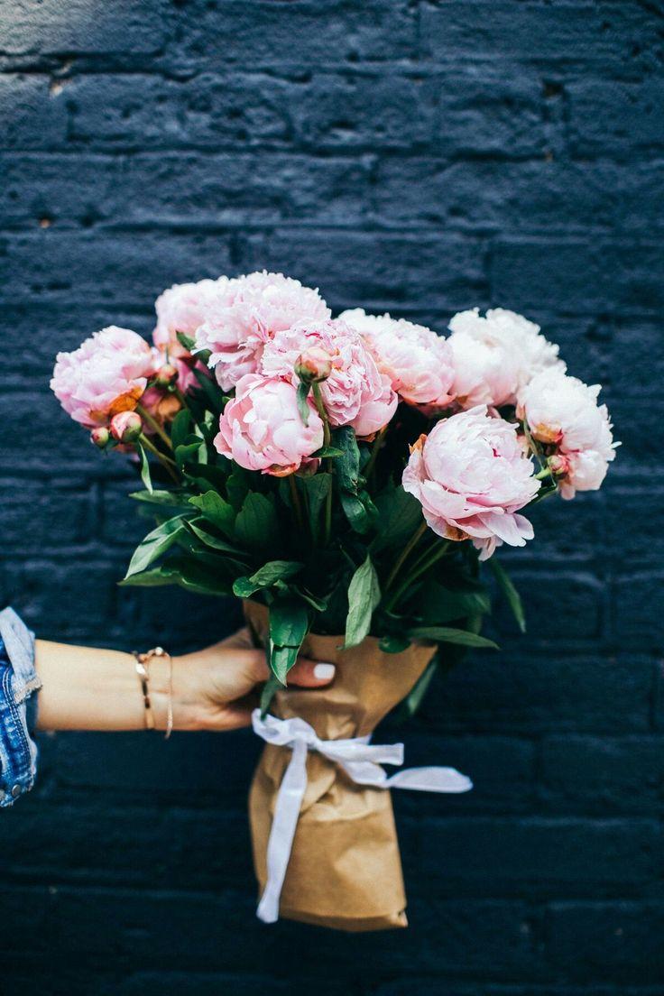 En güzel çiçekler bizden size     Gü nay dınn ✨    #luzzaccessories #günaydın #goodmorning #flower #çiçek