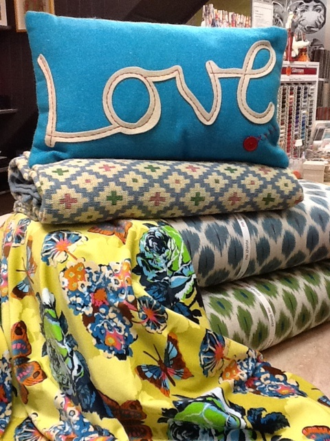 Love, love love this cushion!