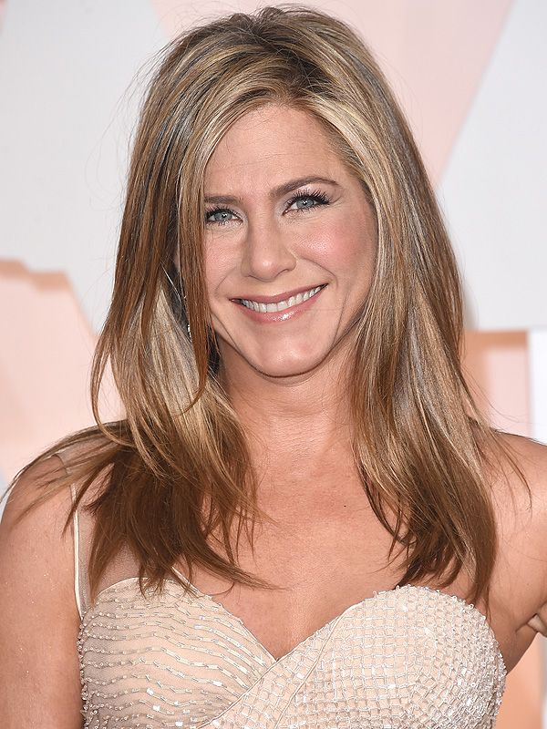 Jennifer Aniston: I Test Hair Products on My Friends Like They're Barbie Dolls http://stylenews.peoplestylewatch.com/2015/04/21/jennifer-aniston-hair-tips-living-proof/