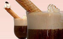 Café Irlandés, delicioso café con whisky, crema, y un habanito. #coffee #whisky #desert #ManoloChurros #Lima #Peru