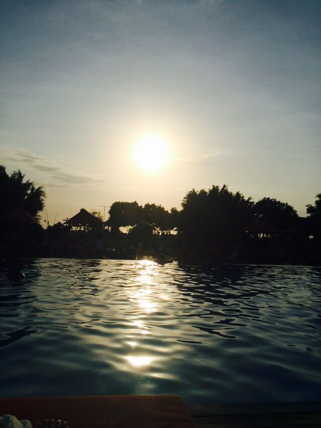 Bali, gili trawangan island,ombak sunset hotel,sunset in swimming pool!