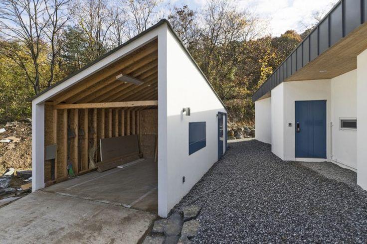 Suitable Farmhouse by OfAA - http://www.interiorredesignseminar.com/interior-design-ideas/suitable-farmhouse-by-ofaa/