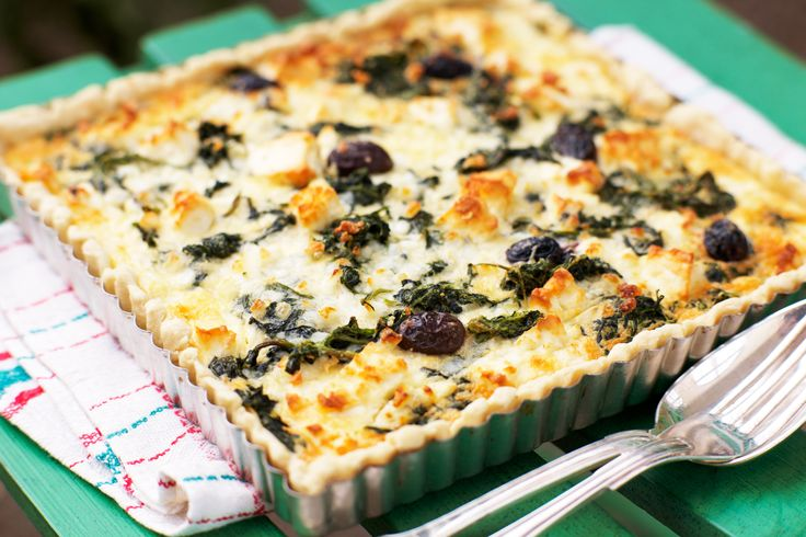 Mediterrenean Pie with Spinach, Olives and creamy filing using both feta and cottage cheese.
