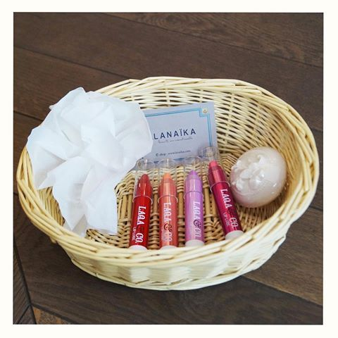 Vous souhaitez avoir de jolies lèvres pulpeuses, hydratées et magnifiquement bien colorées ? Adoptez dès maintenant la Laqa&Co attitude ! 💋👄💄👩🏻