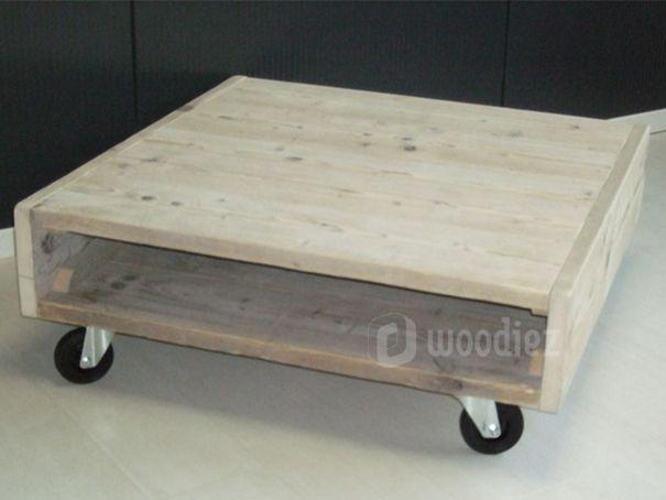 WOODIEZ | Verrijdbare steigerhouten salontafel.