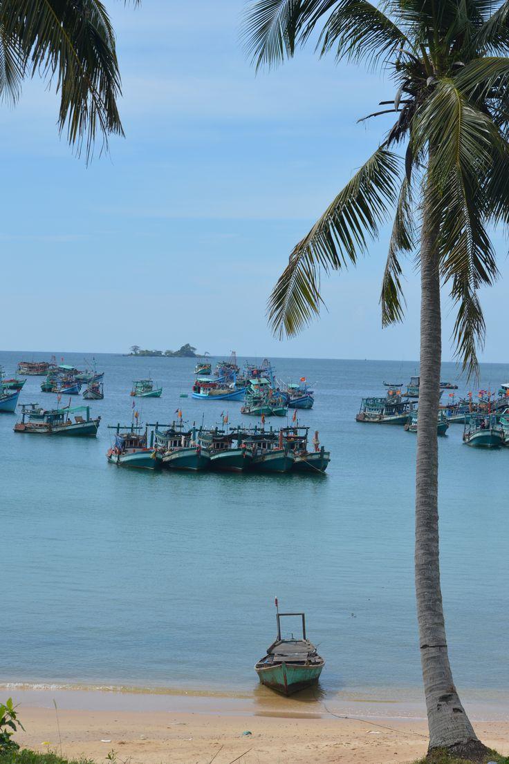 Vissersboten voor de kust van Phu Quoc eiland. http://www.pimenjiska.nl/fotos-van-phu-quoc-eiland