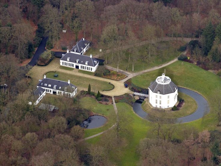 Princess Beatrix' new home: castle Drakensteyn. This was her home before she became a queen.