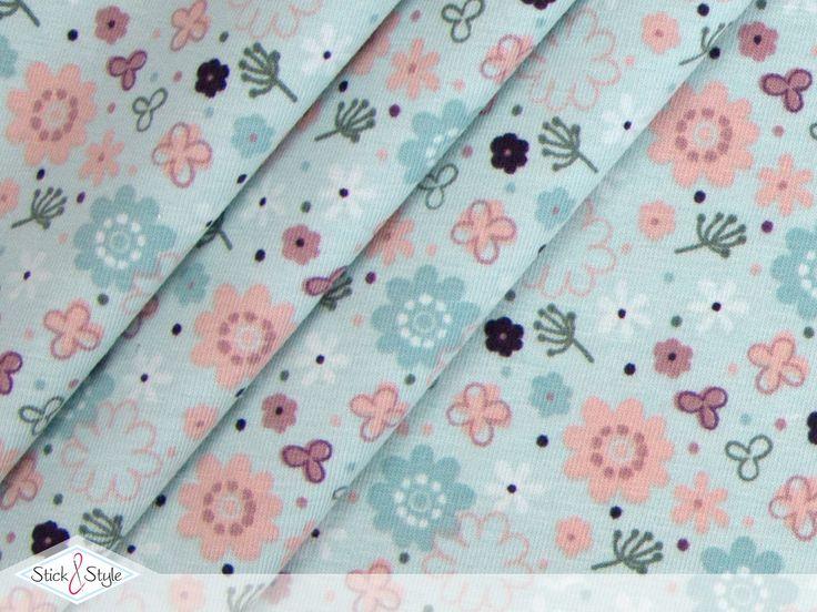 Sanfte Pastelltöne und wunderschöne Blümchen - eine traumhafte Kombination, die diesen Blumenregen zu einem echten Hingucker werden lässt.