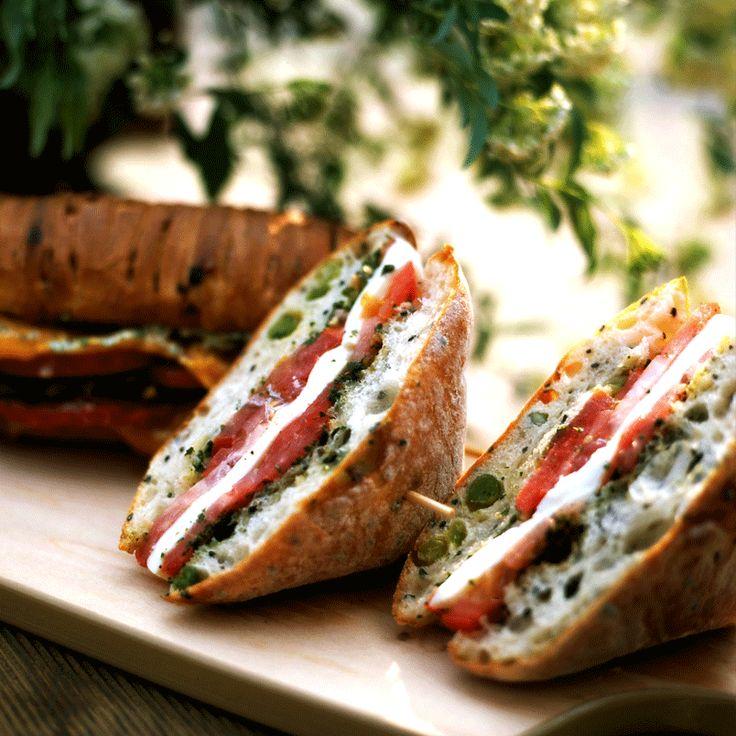 L'aria aperta stuzzica il tuo appetito? Prova questi mini sandwich, puoi portarli ovunque!