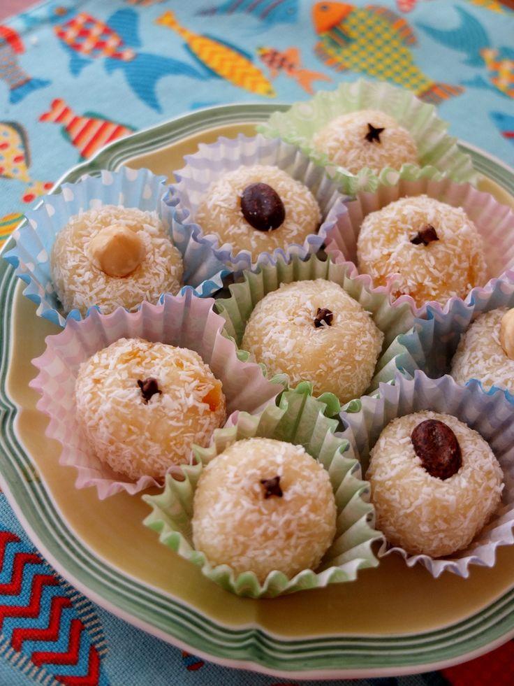 Beijinhos - Brazilian coconut kisses and typical birthday treats - lili's cakes