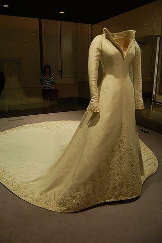 Wedding Gown used by Princess Letizia of Spain- Palacio Real de Aranjuez - Museo de la Vida en Palacio by twiga_swala, via Flickr