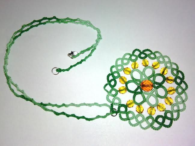 tatted necklace with medallion