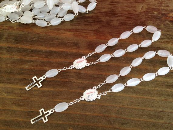 25 Comunion favors frosted acrylic baptism favors/ recuerditos para bautizo en blanco opaco con Tonos plata/ christening favors on Etsy, $19.00