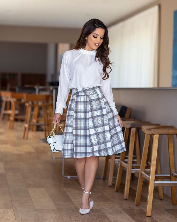 Essa saia é uma das mais quero!! | Saia de 2019 | Roupas da igreja, Modelos de saias rodadas e Saias da moda