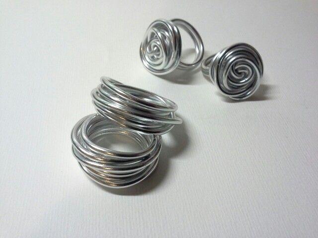 Anelli wire, handmade, fatti con filo di alluminio 2mm