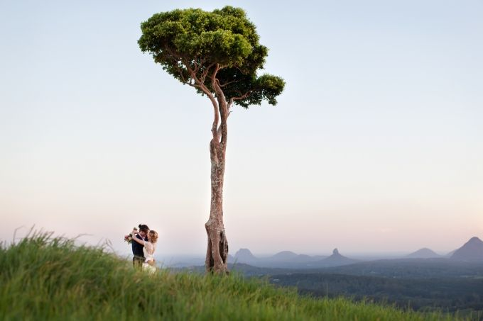 Maleny's one tree hill overlooking the glass house mountains is a spectacular view for any couple