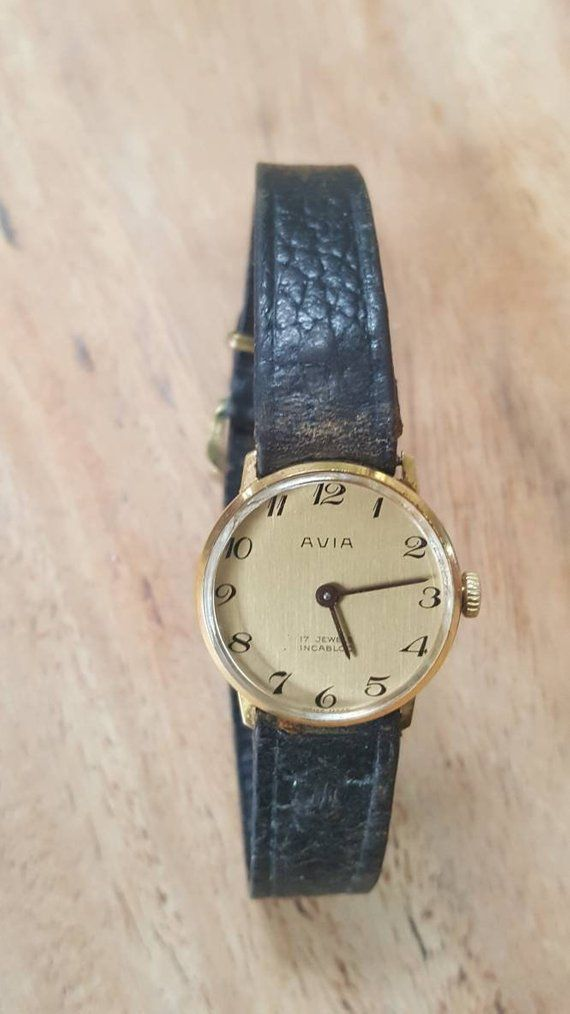 Ladies vintage Avia watch, 17 jewels mechanical Swiss made watch with brown  leather strap