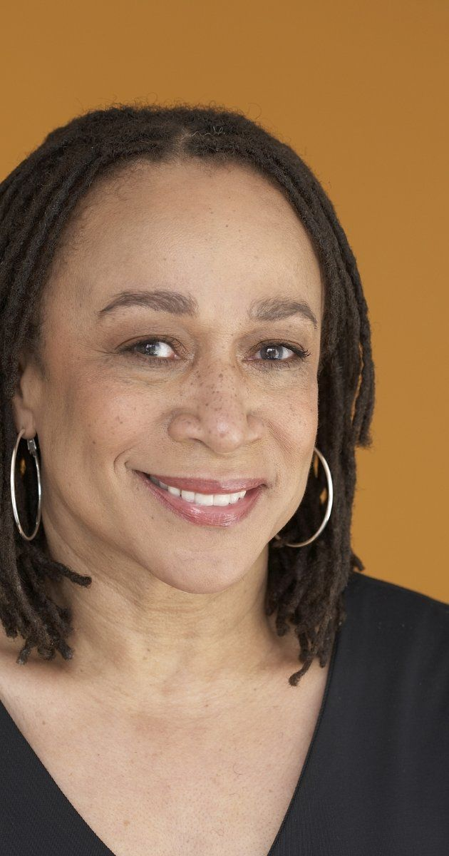 S. Epatha Merkerson, Actress: Law & Order. A native of Michigan, S. Epatha Merkerson earned a Bachelor of Fine Arts Degree from Wayne State University. In 1978, she moved to New York City to apply her craft on stage. Although best known since 1993 as the smart and shrewd Lieutenant Anita Van Buren on the long-running TV crime drama Law & Order (1990), she has a long list of Broadway and off-Broadway credits and honors that include ...