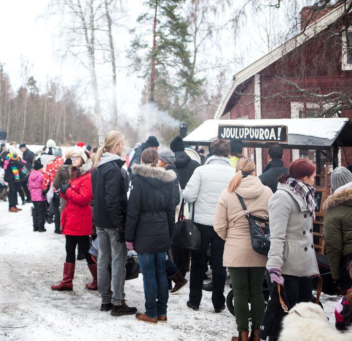 Metsänkylän Joulumarkkinat 2013 Leivintuvan pihassa