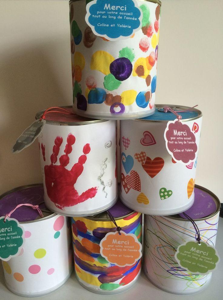 Cadeaux pour la crèche : contenants rigolos remplis de sablés