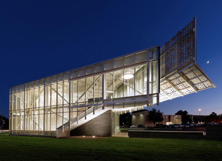 Gallery of Davis-Harrington Welcome Center / Dake Wells Architecture - 1