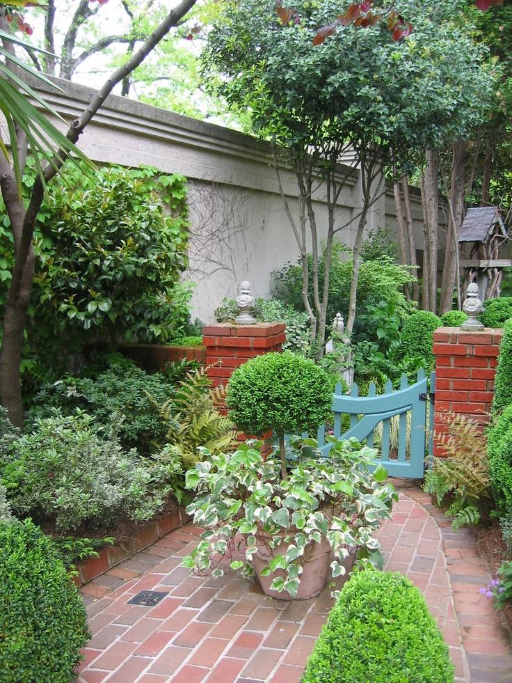 Atlanta landscape artist louise poer 39 s courtyard garden for Courtyard landscaping pinterest