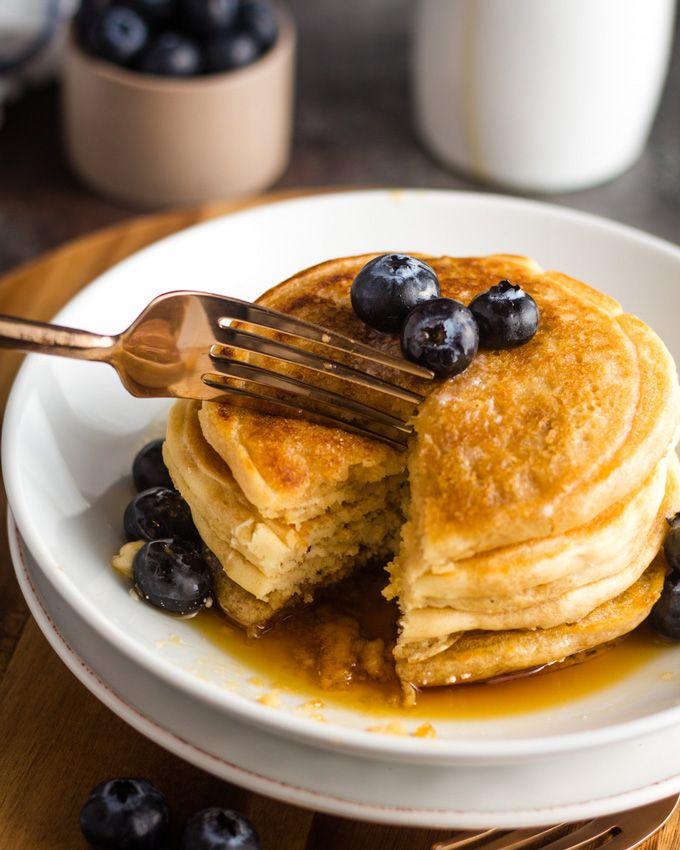 6 Ingredient Fluffy Vegan Pancakes Karissa S Vegan Kitchen Recipe In 2020 Fluffy Vegan Pancakes Food Vegan Pancake Recipes