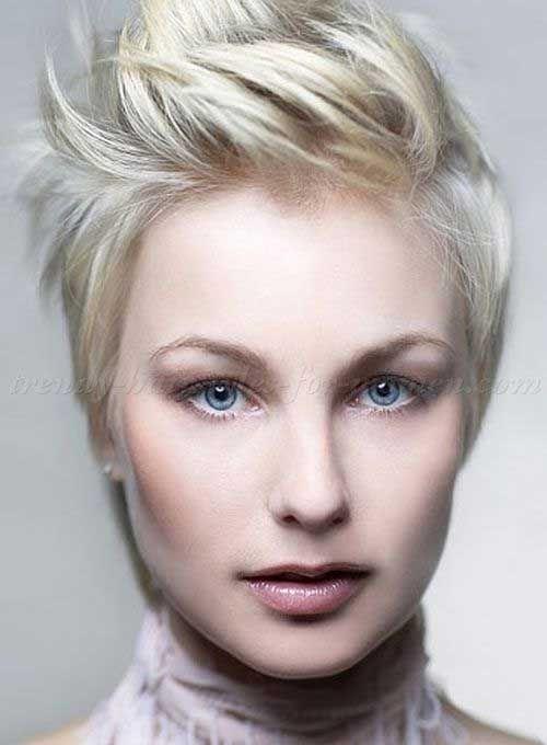 Светлые прямые волосы Pixie Cut