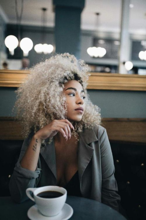 female character inspiration | coffee date photo by @joshuaabelsphotography Ig @kassalaholdsclaw
