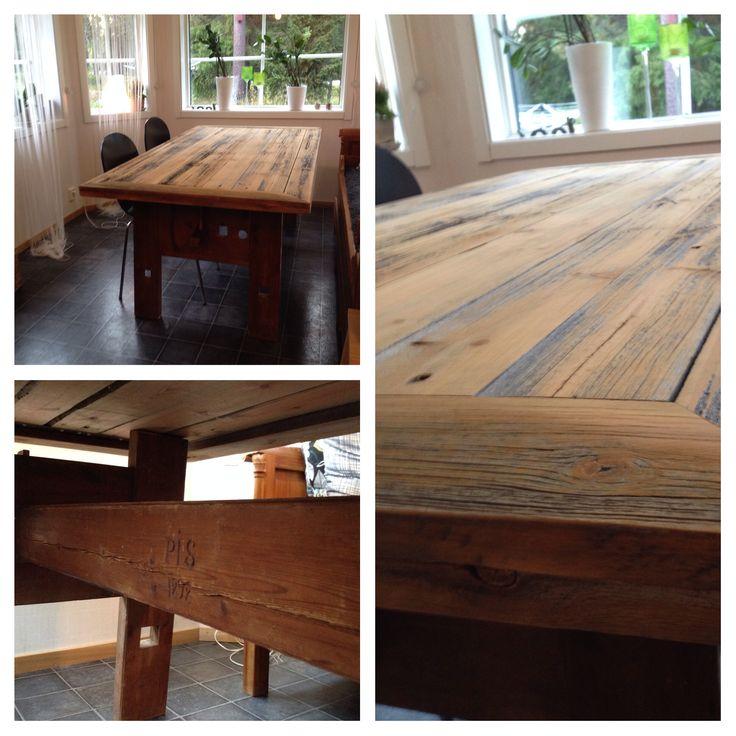 Byggde ett bord av en gammal vävstol och plank från en rasad lada.