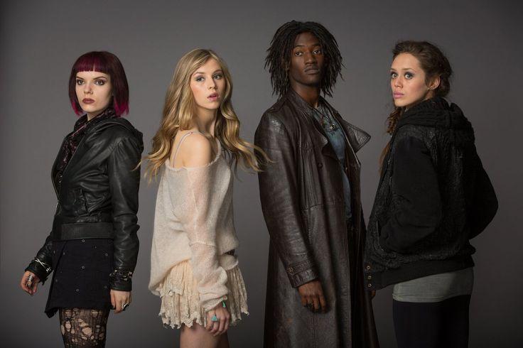 Molly, Gabbe, Roland y Arriane (The Fallen Angels)