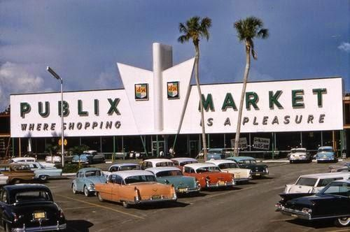 A Publix market in Florida, 1950s (lookin' at you, Sis!)