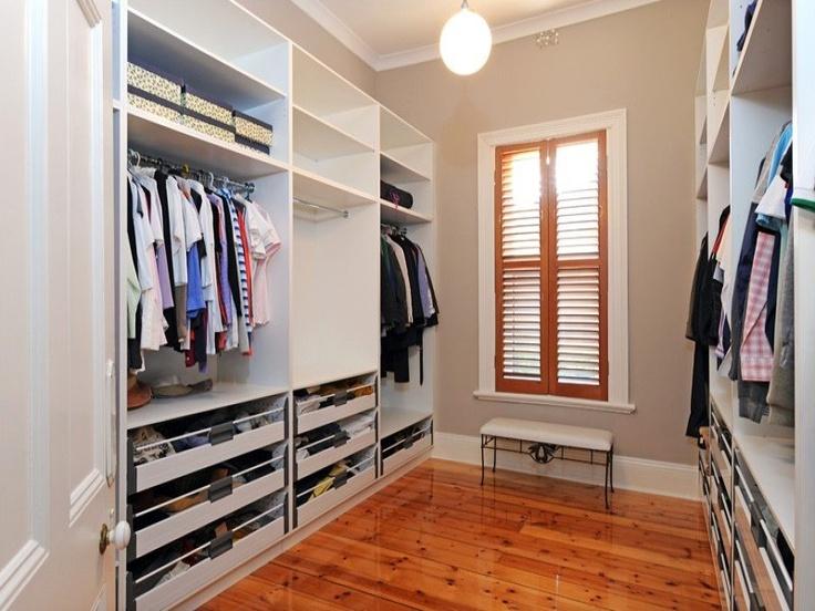 Walk in robe. Wide, light, seat, open drawers