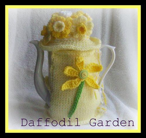 Daffodil Garden Cozy ~ free pattern