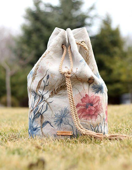 Blubery / Ručne maľovaný ľanový batoh