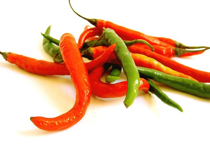 Papryka chili - ma właściwości przeciwzapalne, przeciwrakowe, stosowana jest jako naturalny środek przeciwbólowy, wspomaga układ krążenia, wywiera korzystny wpływ na układ pokarmowy, zapobiega przeziębienią oraz przynosi ulgę w czasie ich trwania.