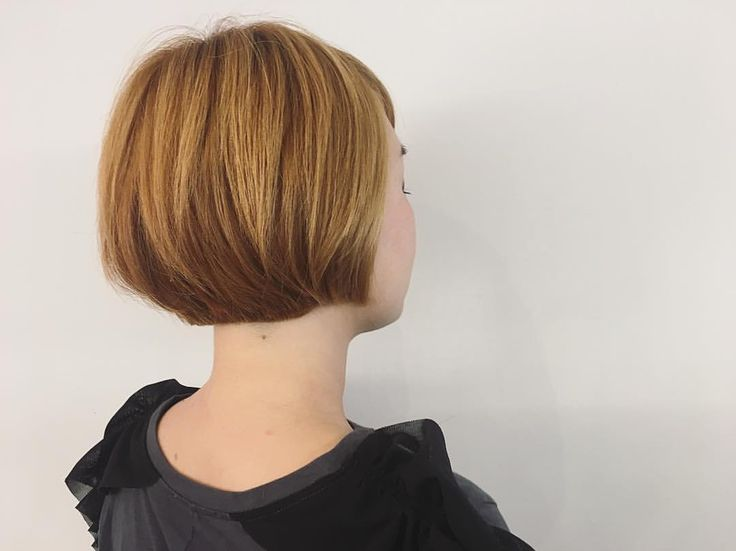 伸ばしかけの襟足を#やっぱりボブが好き っと、ばっさりカット🕺🕺🕺 ・ ・ #ヘアカット#ショートボブ#ミニマム#コンパクトボブ#シンプルイズベスト#ばっさりカット#サロンスタイル#ブロンドヘア#おしゃれ#ファッション好き#大阪#梅田#美容師#hairstyle#bobhaircut#simpleisbest#minimumbob #blondhair#lovefashion #shortbob#osaka#japan#hairdresser #eminobeoka