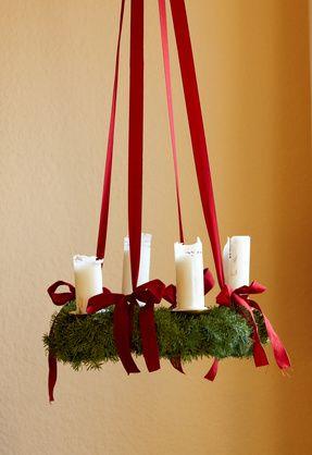 DIY Christmas decoration, DIY hanging Christmas wreath