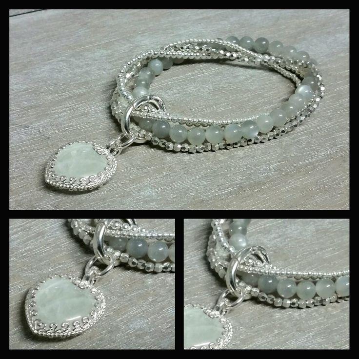 Mehrfacharmband mit Silber 925, Grauer Mondstein und Regenbogen Mondstein-Anhänger