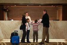 DH Te Anau - Reception (H- Distinction Hotels Te Anau, Hotel & Villas