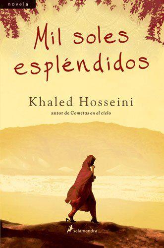 Cuenta la conmovedora historia de amistad entre dos mujeres afganas de orígenes muy dispares, cuyos destinos se entrelazan por obra del azar y de las convulsiones que sufre Afganistán. Hija ilegítima de un rico hombre de negocios, Mariam se cría con su madre en una modesta vivienda. A los quince años su padre la envía a casarse con Rashid, un zapatero treinta años mayor que ella. Casi dos décadas más tarde, Rashid encuentra en las calles de Kabul a Laila, una joven de quince años sin…
