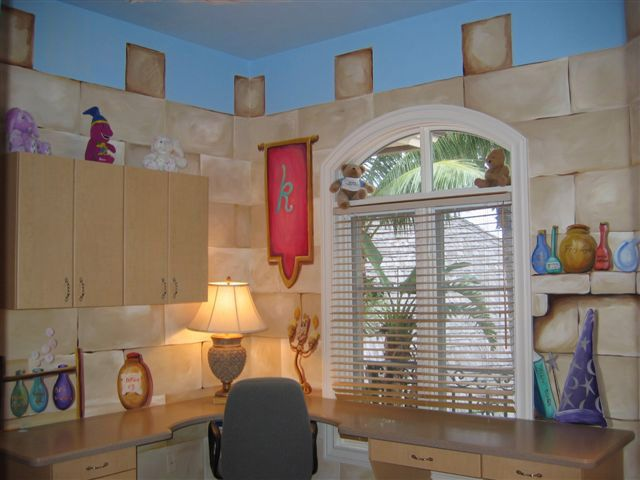 Castle bedroom 2005 boca jpg 640 480 kid 39 s bedroom for Castle bedroom ideas