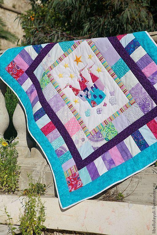 """Купить Детское лоскутное одеяло """"Королевство"""" - бирюзовый, Аппликация, аппликация из ткани, лоскутное одеяло"""