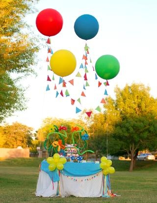 Balloon decorating from Festivities Magazine Summer 2012