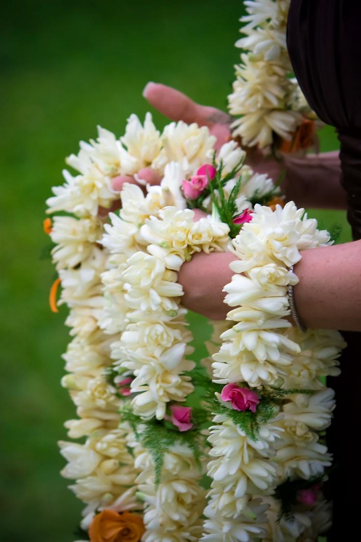 Tiare Tahiti, fleurs de l'accueil... pour t'accueillir. Photography by Brian K Crain | Lifestyle Wedding Photography - www.bkcphoto.com