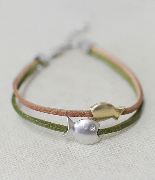 Cute Fish available in 3 colours.  Beautiful Handmade bracelet from South Korea delivered worldwide. Unique design.  #Charms #Leather #Silver
