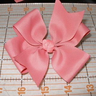 Pinwheel bow. I actually understood this one.