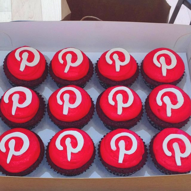 """Pinterest cupcakes - would be fun at a """"pinterest party"""""""