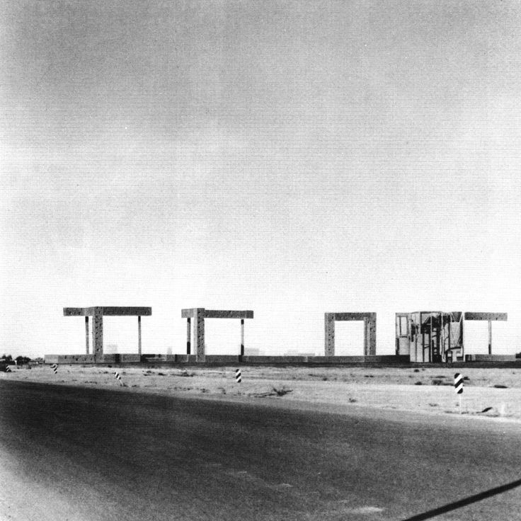Steven Holl's Spatial Retaining Bars, Phoenix, 1994